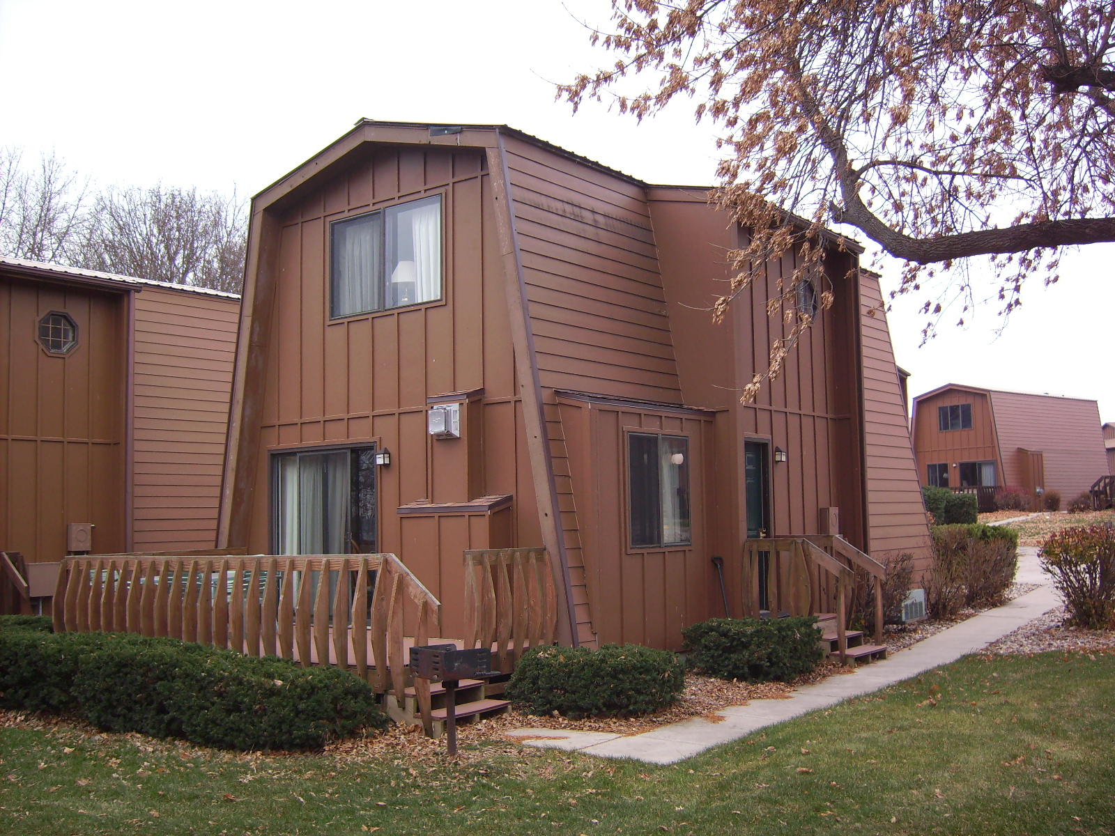 Two bedroom townhouse village west resort okoboji for 2 bedroom townhouse